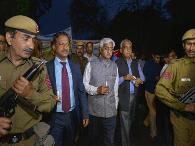 delhi chief secretary anshu prakash: Chief Secretary ...