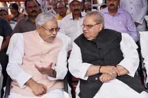 Patna: Bihar Chief Minister Nitish Kumar along with Bihar governor Satya Pal Mal...