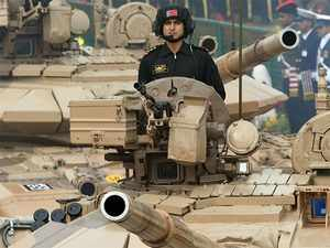 Army-weapons-bccl