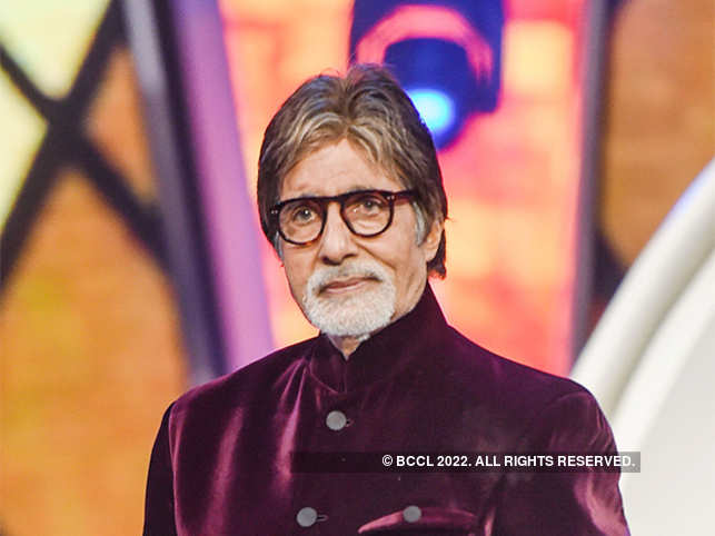 Big B blogs about his health, says team of doctors to reach Jodhpur to 'set him up'