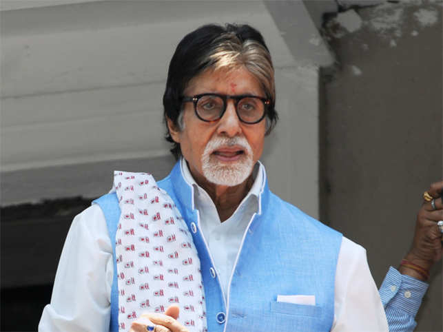Heavy costumes for role in 'Thugs of Hindostan' may be cause of Big B's ill health