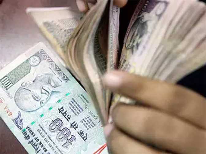 Banks' credit grows at 11.48% to over Rs 83 lakh crore