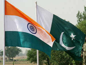 India Pak flags