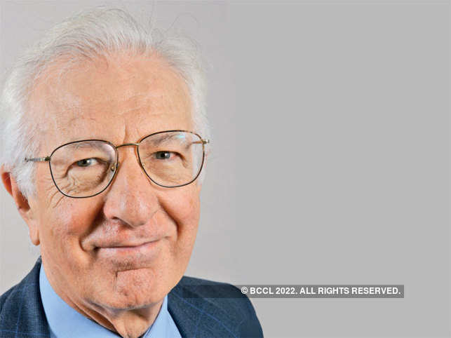 Happiness hasn't risen with incomes: British economist Richard Layard