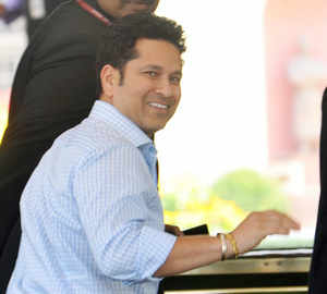 Tendulkar donates his MP salary and allowances to PM's Relief Fund