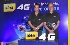 Guwahati: Rajat Mukarji (R), Chief Corporate Affairs officer, Idea cellular and ...