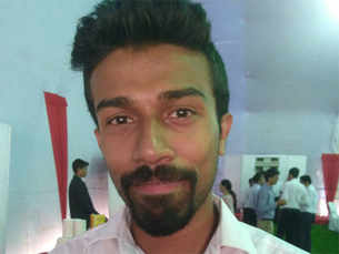 Kerala tailor's son bags highest pay at IIM-N, takes up associate director job