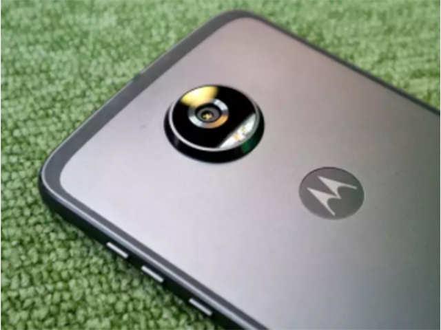 Moto G6, G6 Plus details leaked ahead of launch; front-mounted fingerprint sensor, glass back on device