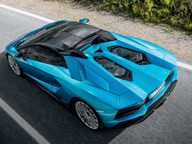 At 460 247 Lamborghini S 2018 Aventador S Roadster Is Messy Angry