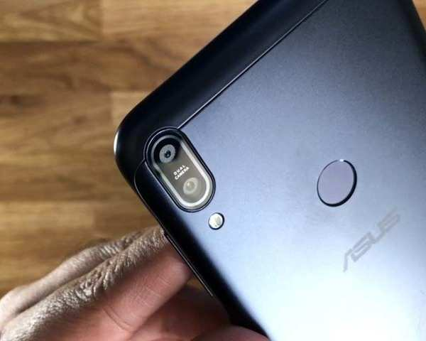 Unboxing Zenfone Max Pro M1: First Asus smartphone with stock Android  experience