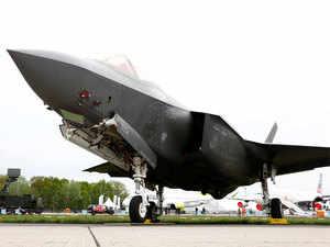 lockheed-fighter-jet