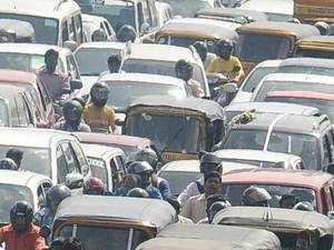 Passenger vehicle sales rise 7.5% in April; car sales up 4.89%