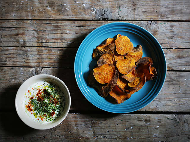 Cumin And Fenugreek Whole Wheat Crisps With Chili Yoghurt This Mother S Day Whip Up Some Delicious Treats To Surprise Your Mum The Economic Times