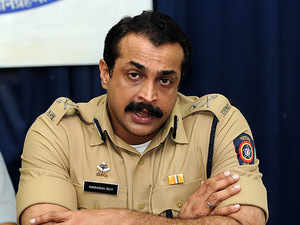 Himanshu Roy, former Mumbai top cop, kills self
