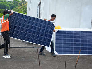 Kerala and NTPC sign MoU for increasing solar power generation
