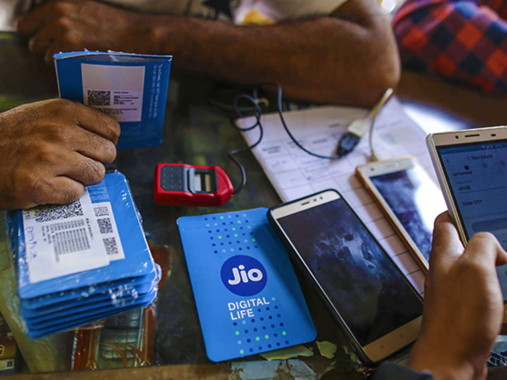 Jio wants to be SIM 1 in your mobile