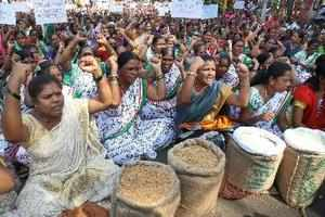 Mumbai: Shramjivi Sanghatana activists stage a massive protest against the cance...