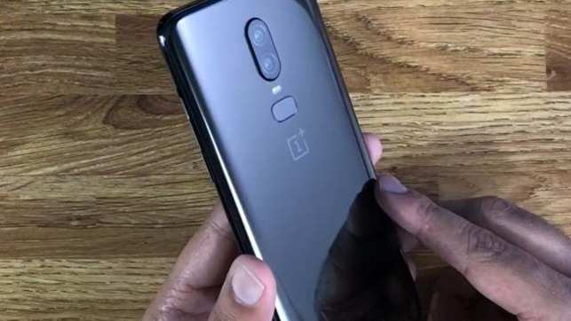 on sale 1a57e 56d8f OnePlus 6 Avengers Edition: OnePlus 6 unveiled in India at Rs 34,999 ...