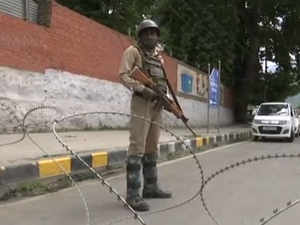 Watch: Security on high alert ahead of PM Modi's visit to Srinagar