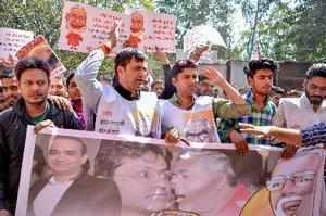 Bhopal: Madhya Pradesh Youth Congress activists raise anti-government slogans af...
