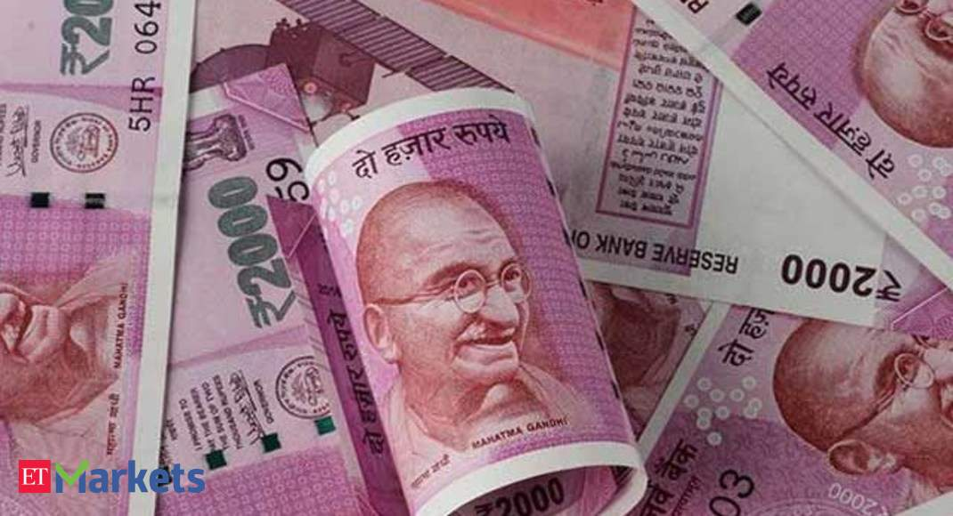 Indian Ru Watch Hits 18 Month Low Slides 38 Paise To 68 42 Against Us Dollar The Economic Times Video Et Now