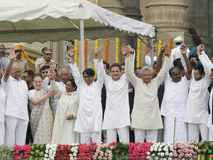 Kumaraswamy Swearing-in Turns into Show of Strength for Opposition