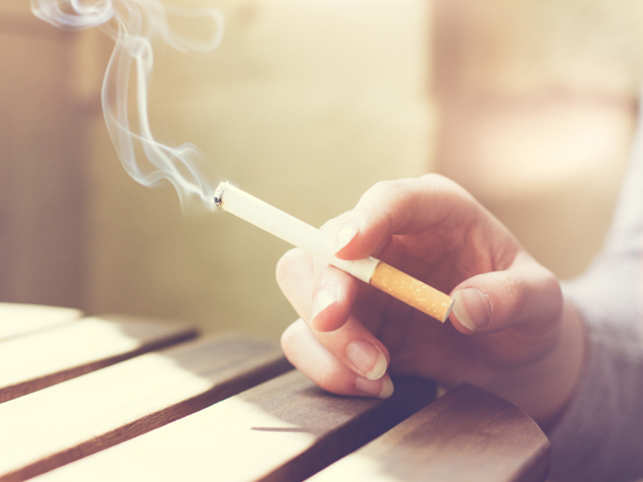 Cigarettes Don't Help Smokers Quit, But Cash Might