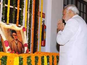 Veer Savarkar a prolific poet, social reformer and courageous fighter: PM Modi in Mann Ki Baat