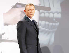 Talking money! Daniel Craig to get paid 50 million pounds for final 007 film