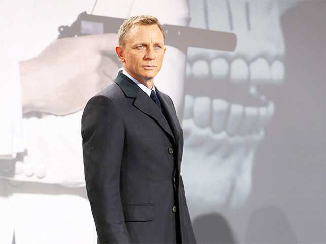 b2c6ad15ab Talking money! Daniel Craig to get paid 50 million pounds for final ...