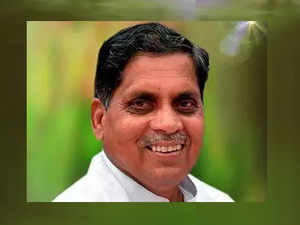 Karnataka: Newly-elected Cong MLA Siddu Nyamagouda dies in road accident