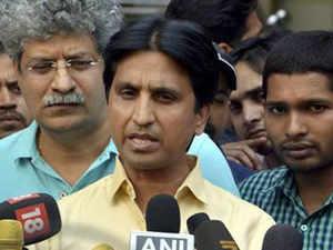 Finance Minister Arun Jaitley accepts Kumar Vishwas' apology, withdraws defamation case