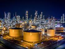 Oil-Refinery-Thinkstock