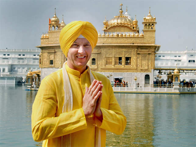 Former Aussie cricketer Brett Lee melts hearts in Punjabi, dons a turban and Sikh avatar