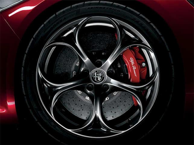 Alfa Romeo Wants To Take On Porsche Ferrari With A 700 Horsepower
