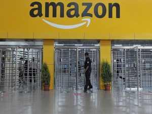 Solar power: Amazon installs solar panels at fulfilment