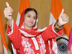 Geeta who returned from Pakistan meets four suitors
