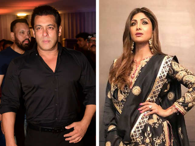 Former Congress MLA Baba Siddique hosted his much-awaited annual Iftar party on Sunday in Mumbai.  The who's who of Bollywood attended the glitzy function at the Taj Land Ends.  Big names like Salman Khan, Shilpa Shetty, Anil Kapoor, Arbaaz Khan, Riteish Deshmukh, amongst others were spotted at the event.