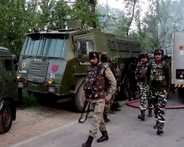 Fresh attack on a guard post in Pulwama, two Jawans martyred