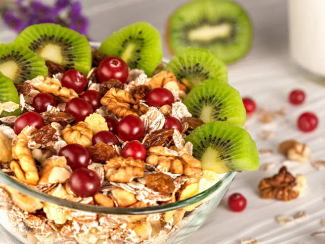 breakfast-food-nuts-cherry-kiwi_ThinkstockPhotos
