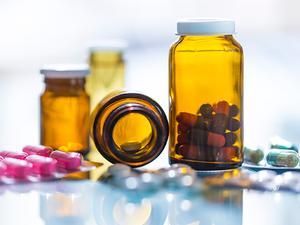 Pharma2-Thinkstock