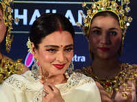 Rekha back on stage after 20 years, will perform live at IIFA