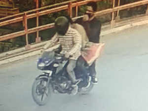 Shujaat Bukhari's suspected killers caught on camera