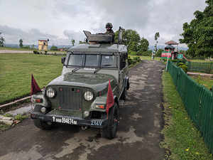 Indian Army pays floral tribute to two rifleman including Aurangzeb