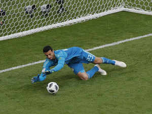 Egypt goalkeeper declines beer-sponsored World Cup award