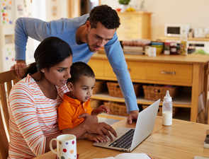 Couples working in shifts may be able to strike work and family life balance better
