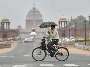 Temperature in Delhi shoots to 44.8 degrees Celsius
