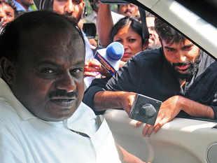 Karnataka set for another shake-up? Reports of bid to topple Kumaraswamy govt