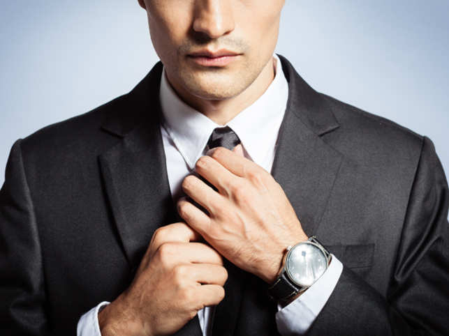 men-suit_ThinkstockPhotos