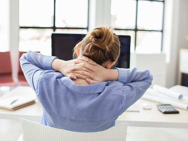 work-office-neck-pain-ThinkstockPhotos-830531726